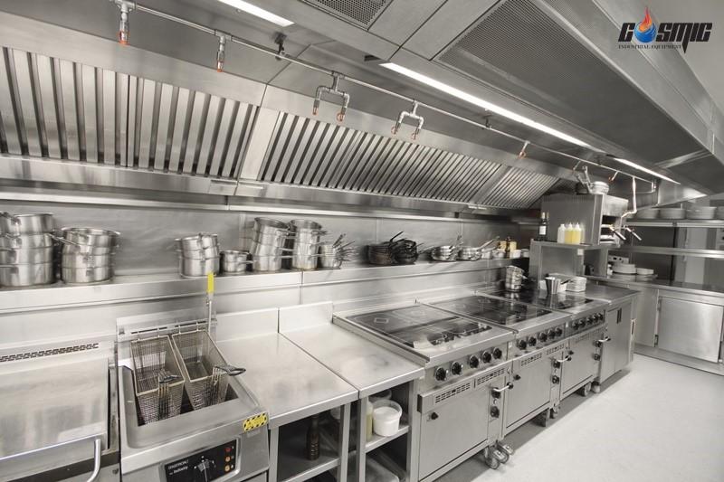 Bàn mát được dùng nhiều tại nhà hàng, quán ăn, các quầy trưng bày thực phẩm...