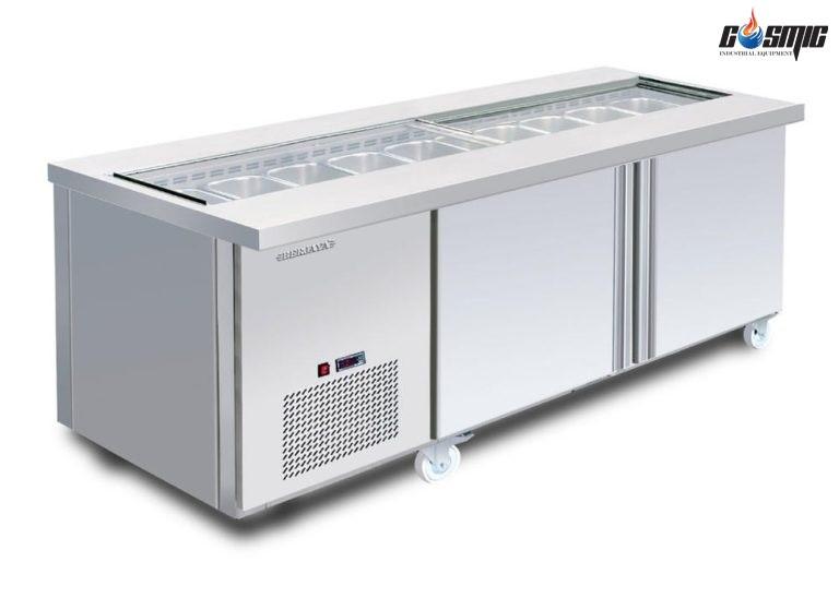 Bàn mát salad Berjaya 2 cánh 1800 BS2D/SSCF6/Z là thiết bị nhà bếp được dùng để bảo quản thức ăn và giữ độ lạnh cho nước uống