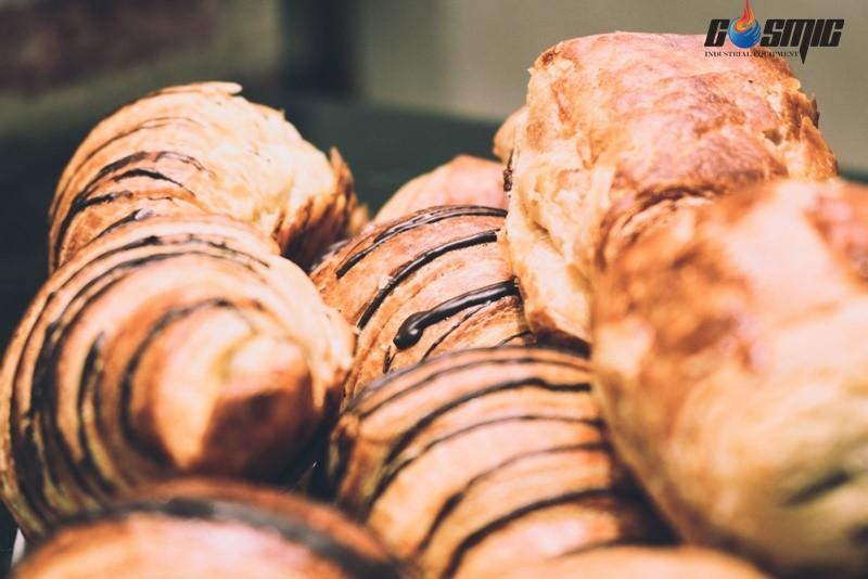 Lò nướng có tính năng đảm bảo độ xốp và thơm ngon của bánh