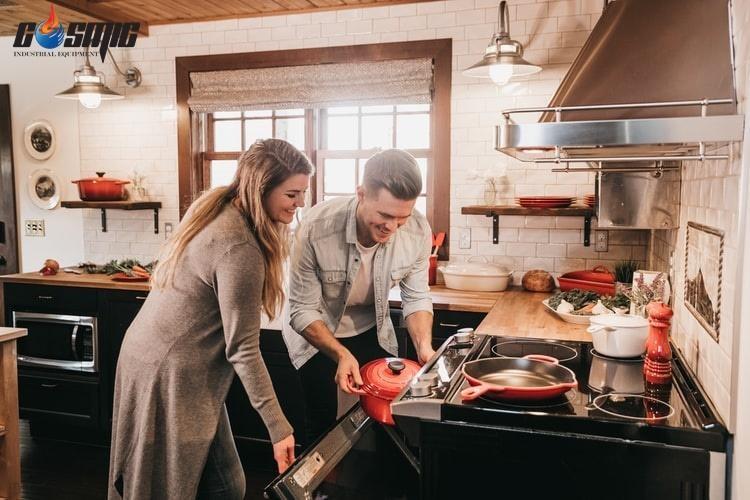 Lò nướng đa năng được xuất hiện trong mọi gian bếp