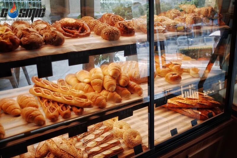 Những mẻ bánh ra đời từ chiếc máy nướng Roller Grill sẽ đảm bảo hình thức tươi mới và chất lượng vượt trội