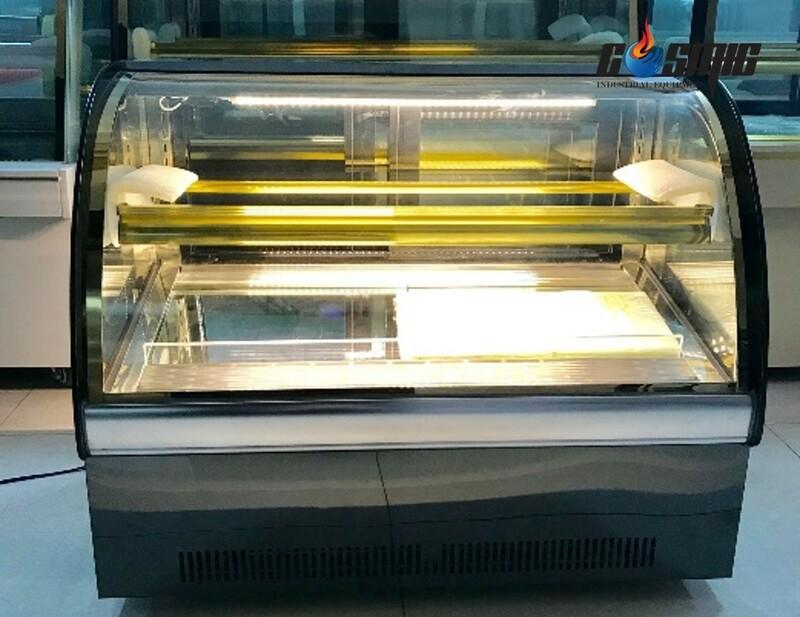 tủ trưng bày bánh lạnh