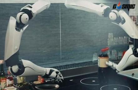 robot-dau-bep-giup-nganh-cong-nghiep-nha-hang-len-mot-tam-cao-moi